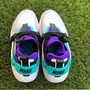 Nike Shoes - ❗️SALE❗️ Nike Air Huarache City